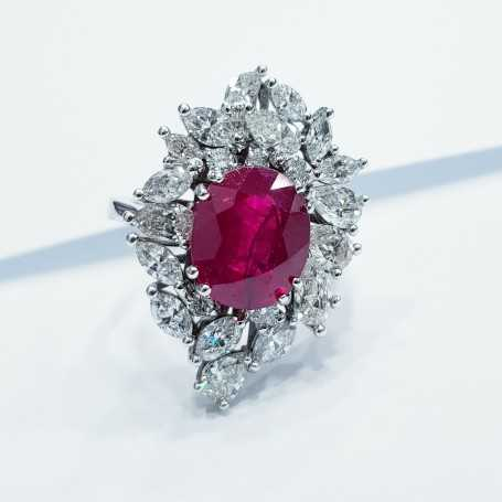 18kt gold ring with diamonds and Ruby - (VANITY)