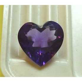 AMETHYST CUT HEART WEIGHT 3,10 CT MEASURES 10x10 MM