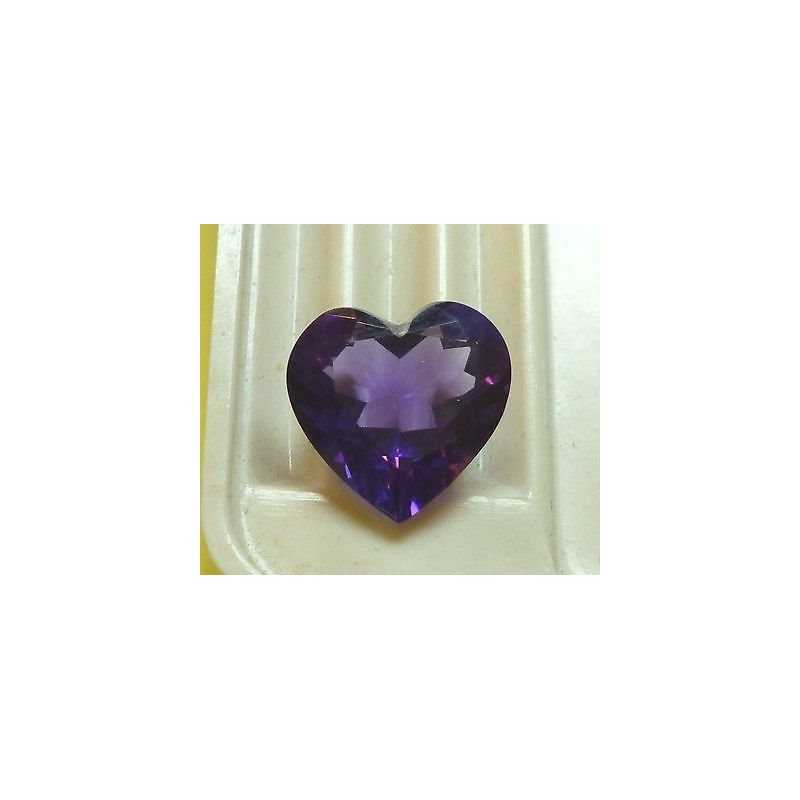 AMETHYST CUT HEART WEIGHT 4,70 CT MEASURES 12X12 MM