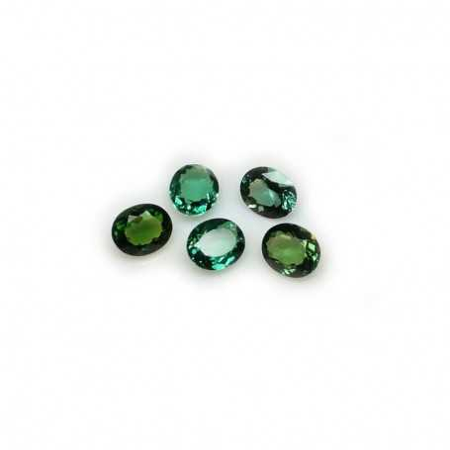 Oval green Topaz 4.28 carats 8.13 X 12.00 mm