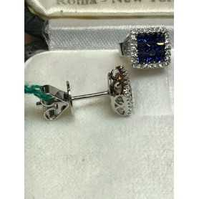 Boucles d'oreilles en or 18 kt avec des diamants 0.35 vs f et de saphirs 0.30