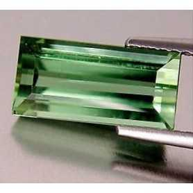 TOURMALINE VERTE 2.33 CT TOP QUALITÉ TOP