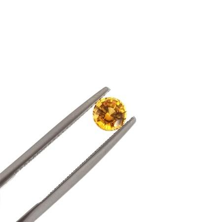 YELLOW SAPPHIRE BRILLIANT CUT, 0.72 Carats 5 mm