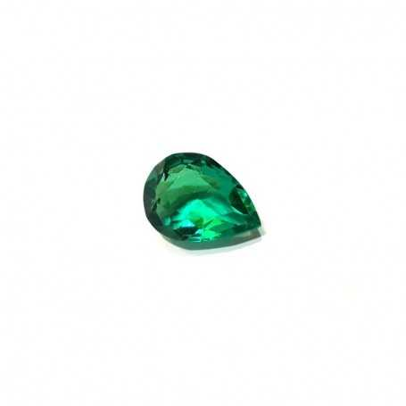Green Topaz drop 6.60 carats 9.60 x 13.10 mm