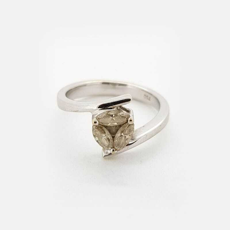 Ring 18kt White gold with DIAMONDS 0.90 ct in Total - the Model (JEANNE)
