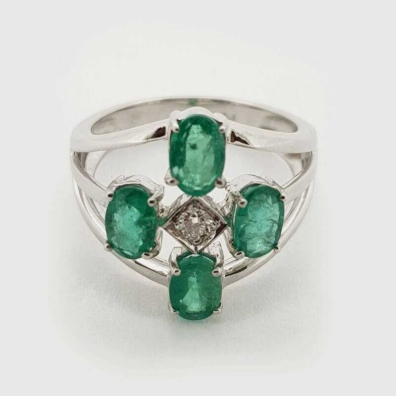 Ring 18kt White gold with DIAMOND and EMERALDS, 2.58 ct Total - Model (BLESSED)