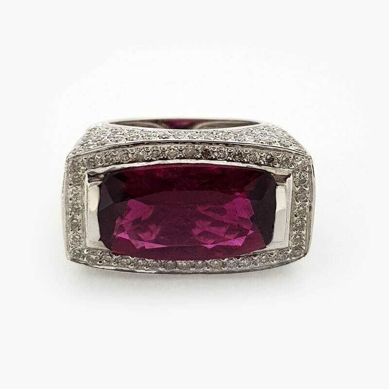 Ring 18kt White gold with DIAMONDS and RUBY 25.20 ct Total - Model (JADE)