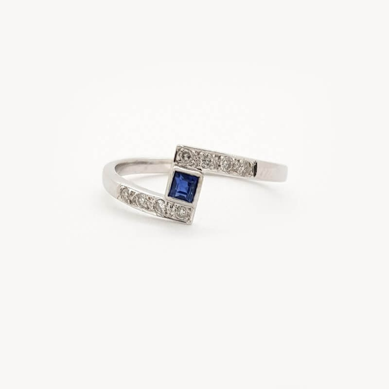 Ring 18kt gold with DIAMONDS and SAPPHIRE, 0.20 ct in Total - Model (ALICE)