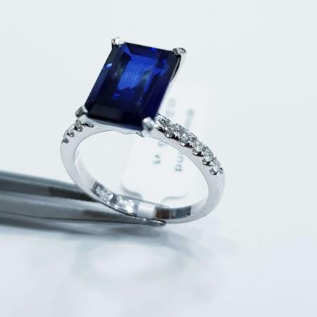 Anello in Oro 18 kt Bianco con Diamanti e Zaffiro naturali - Alta Manifattura Italiana