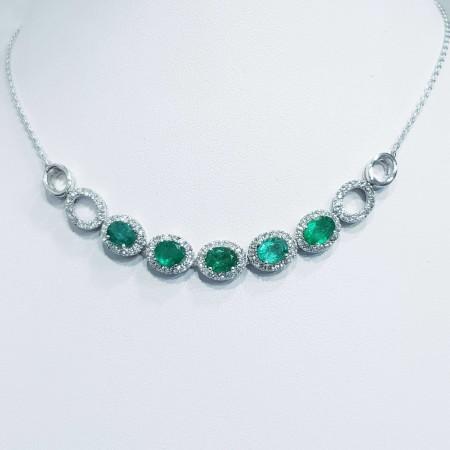 Necklace diamonds and emeralds carat 6.50