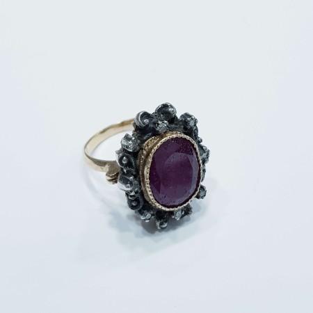 VINTAGE RUBY DIAMOND RING